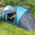 Familie beim Camping mit Zelt Hammerfest 4 Sleeper Protect