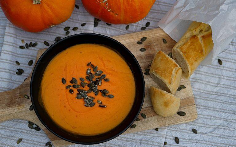 Kürbissuppe aus dem Dutch Oven