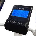 Nahaufnahme der integrierten Handpulssensoren und des LCD-Displays - Crosstrainer Fint