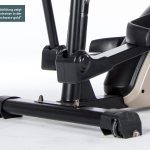 Nahaufnahme Transportrollen des Skandika Crosstrainer Fint