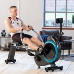 Olympiasieger Max Rendschmidt beim Training mit dem Rudergerät Nordlys