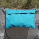Als Kopfkissen nutzbare Tasche des Skandika Strandstuhl Beach