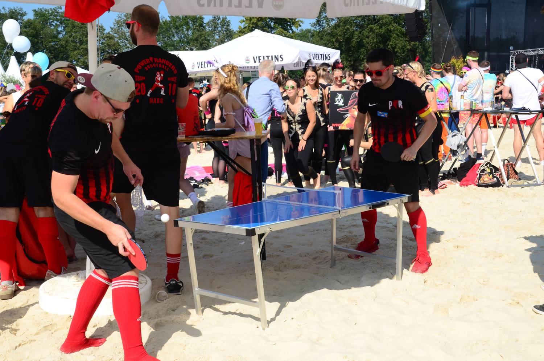 Tischtennisplatte für Kinder beim Dodgeball Beach Cup