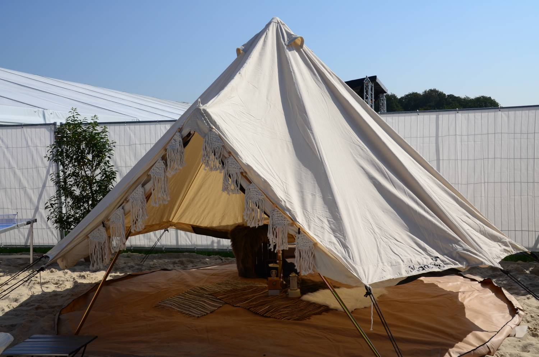 Tipi Zelt aufgebaut auf dem Dodgeball Beach Cup