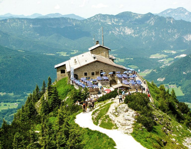 Kehlsteinhaus mit Bergpanorama Berchtesgaden