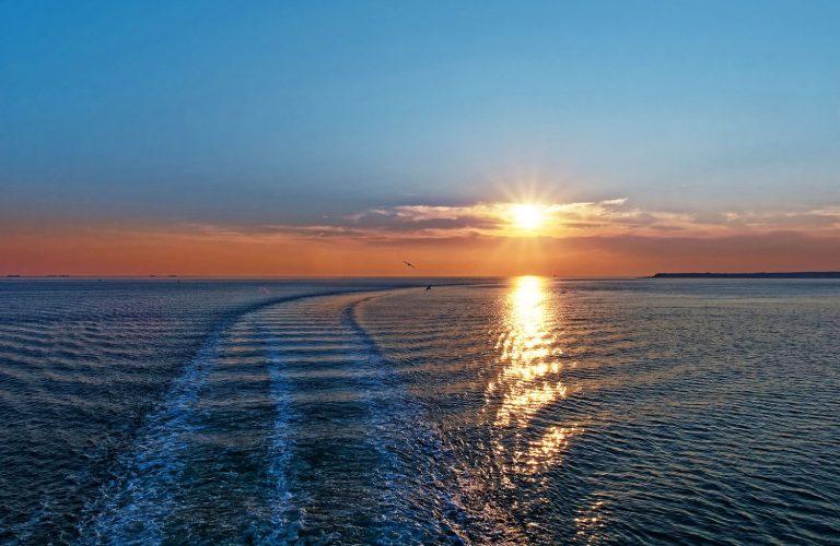 Meer mit Sonnenuntergang in Untersum auf Föhr